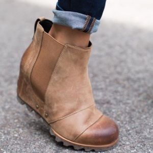 Sorel Lea wedge tan boot
